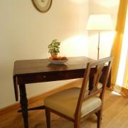 Schreibtisch im Fürstenzimmer Clemens – Schloss Wissen