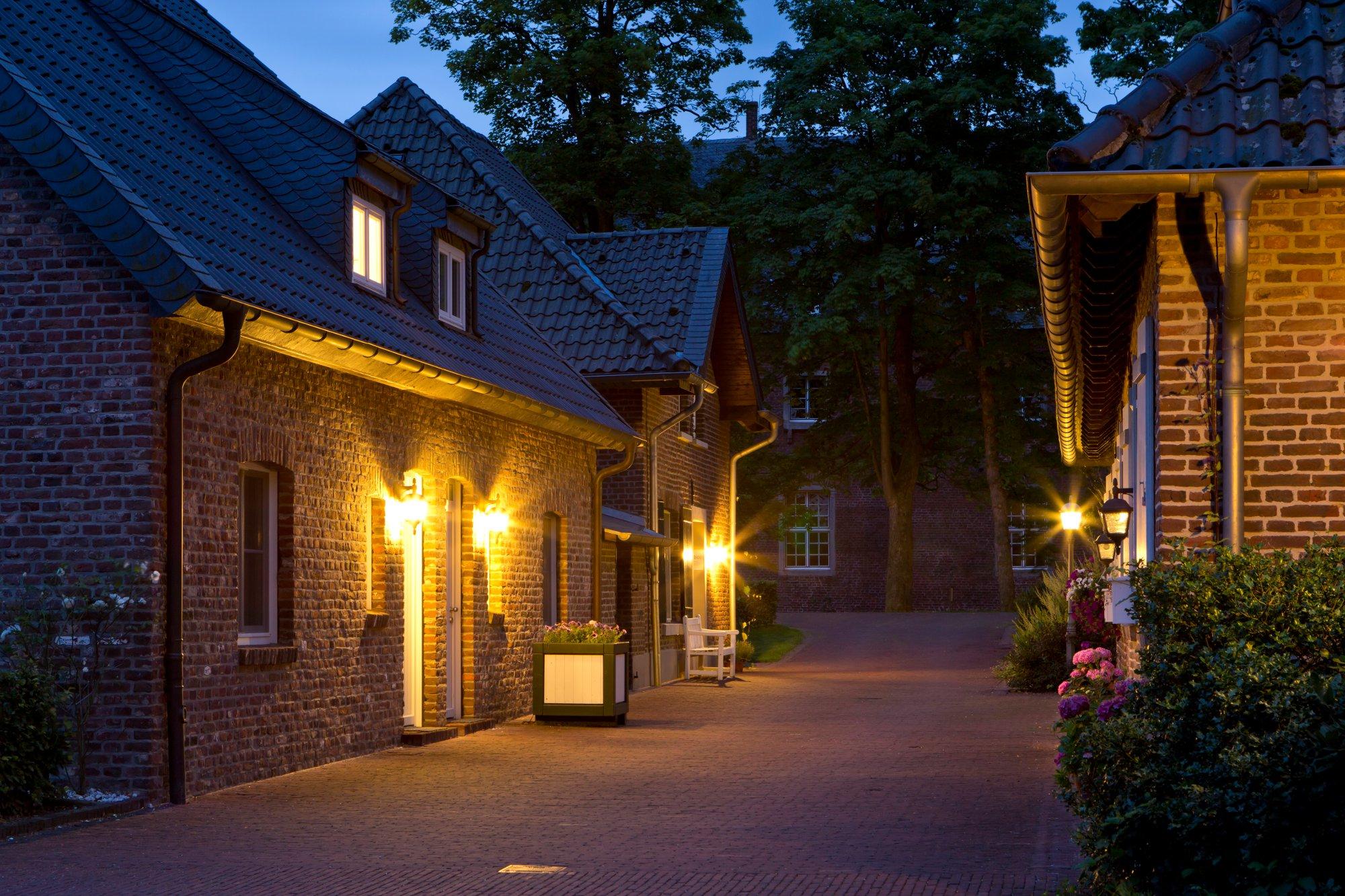 Hotel-Schloss-Wissen-Aussenansicht_16-nacht