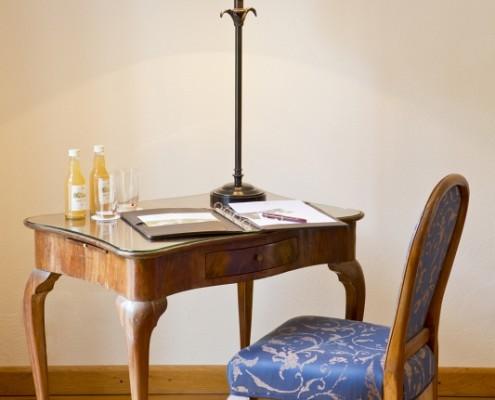 Schriebtisch im Fürstenzimmer Paulus – Schloss Wissen