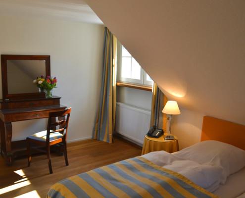 Gästezimmer für 4 Personen – Fürstenzimmer Tante Wirtz auf Schloss Wissen