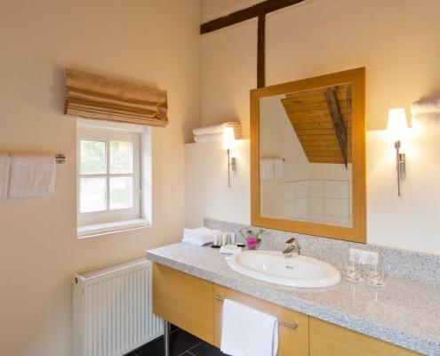 Badezimmer im Königszimmer Walter – Schloss Wissen
